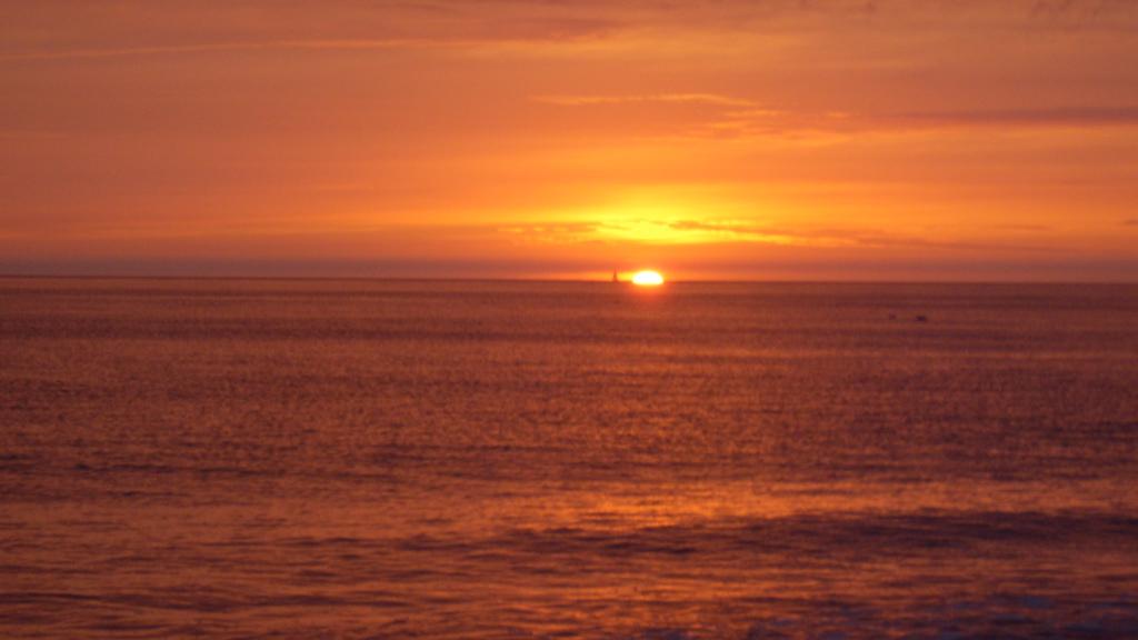 Sylt-Sonnenuntergang-Abendrot-Abendstimmung-Meer-Horizont