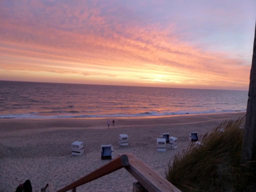 Sylt-Abendstimmung-Strand-Sonnenuntergang-Meer