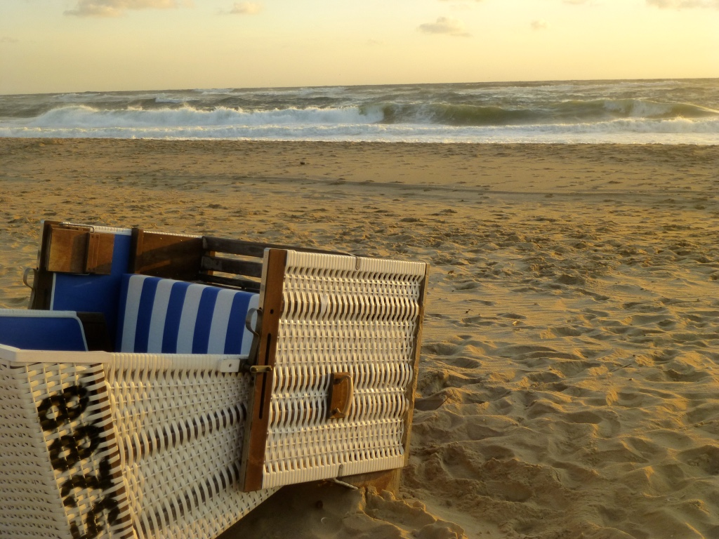 Sylt-Strand-Strandkorb-Meer-Rantum